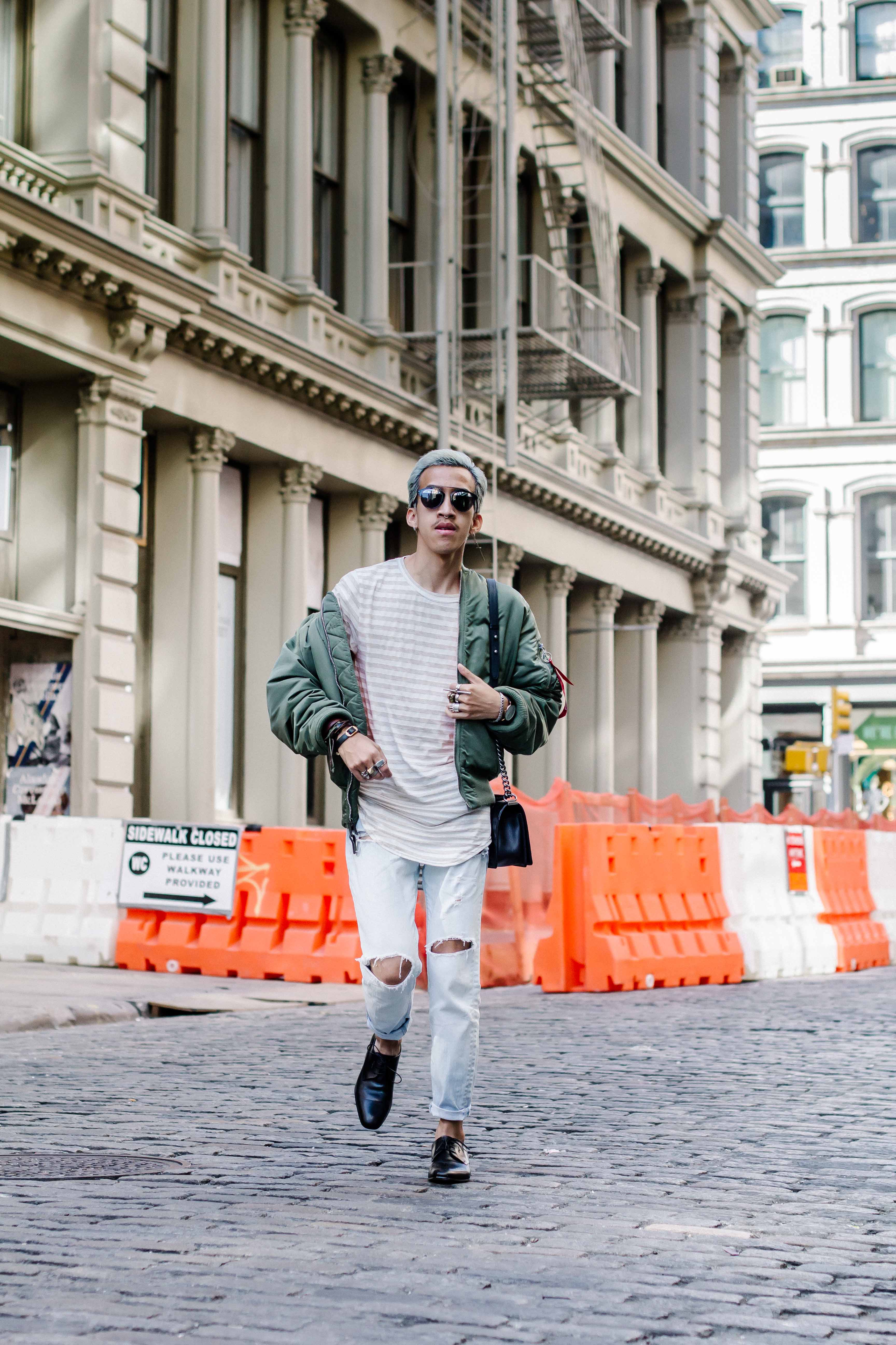 Different ways to wear bomber jacket-2