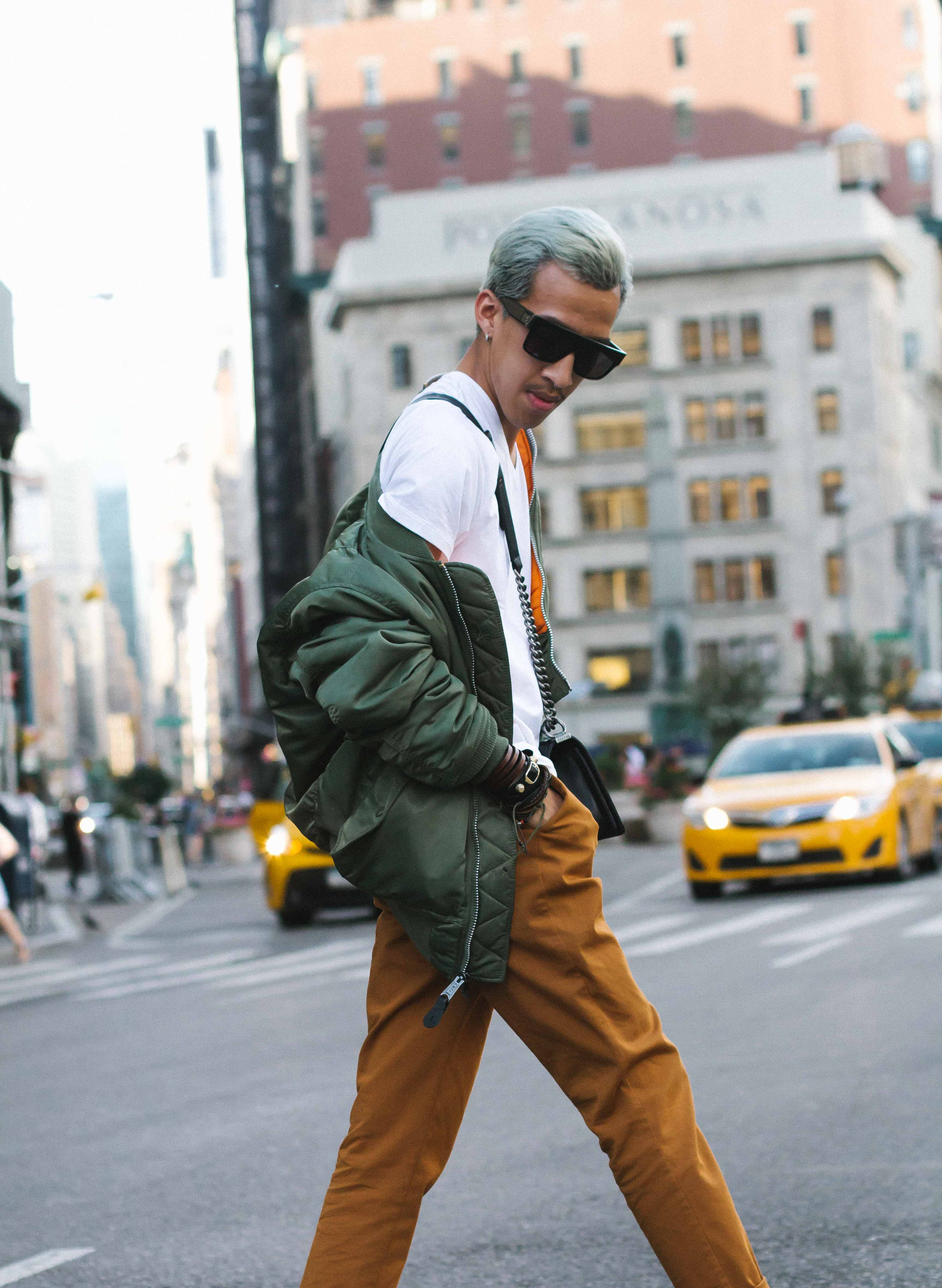 Different ways to wear bomber jacket-4