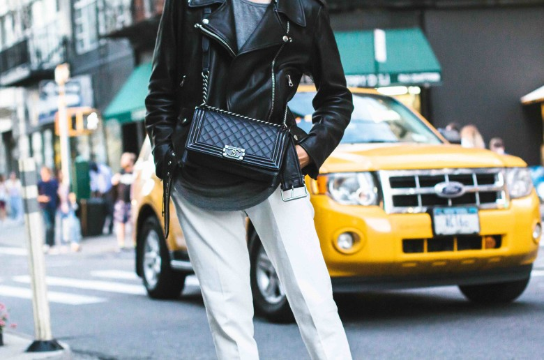 Pairing your outfit with white pants-3